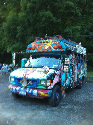 taft_st_-_hippy_bus_l_400